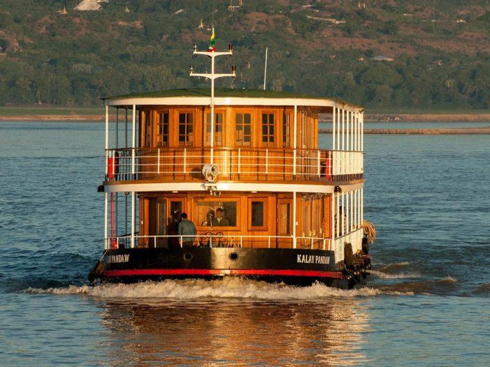 Myanmar per Schiff – Auf George Orwells Spuren