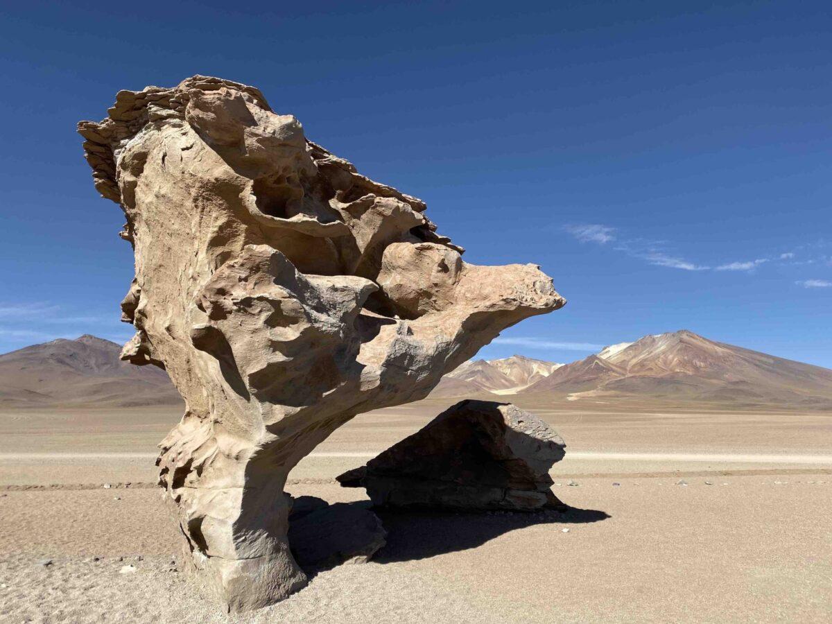 Reise in Bolivien in Südamerika. Naturbild von einer spektakulären Gesteinsformation im Hochland Altiplano.