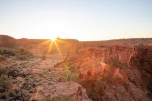Kings Canyon bei Sonnenuntergang im Outback von Australien